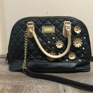 💋BETSEY JOHNSON QUILTED PURSE💋
